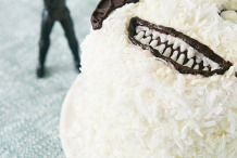 You'd Spend A Night In A Tauntaun To Eat This Wampa Cake