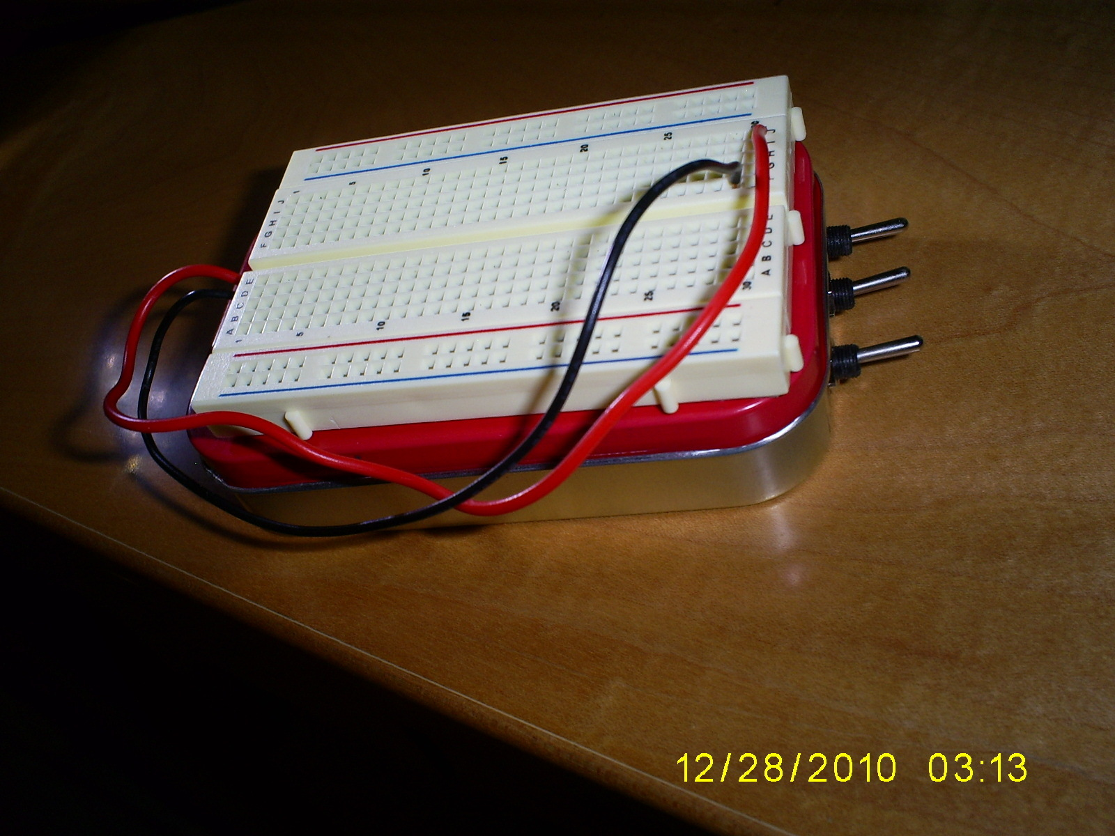 Altoids Tin Breadboard with Power Supply