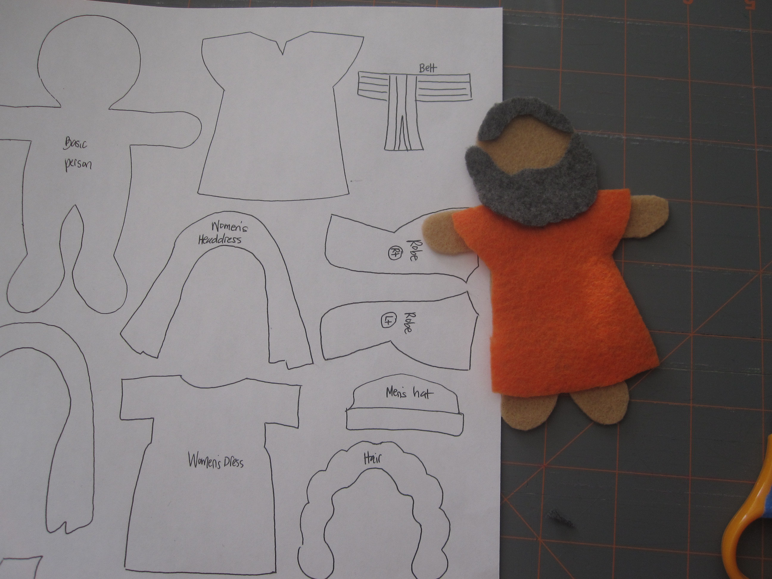 Making Felt Board Stories
