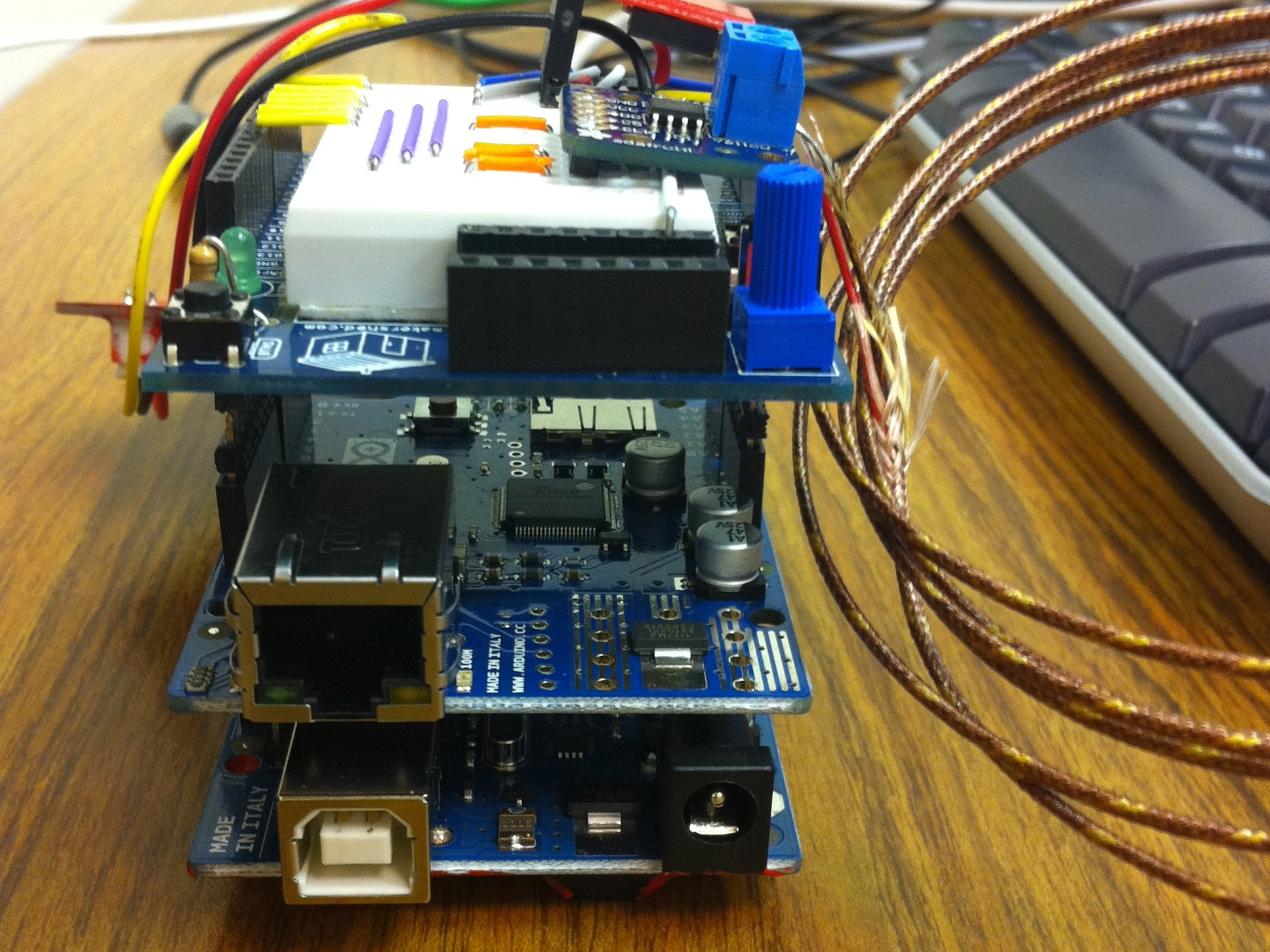 Arduino Temp / Humidity Monitor with Web andSNMP